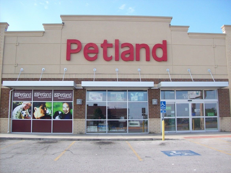 Petland Joplin Store front